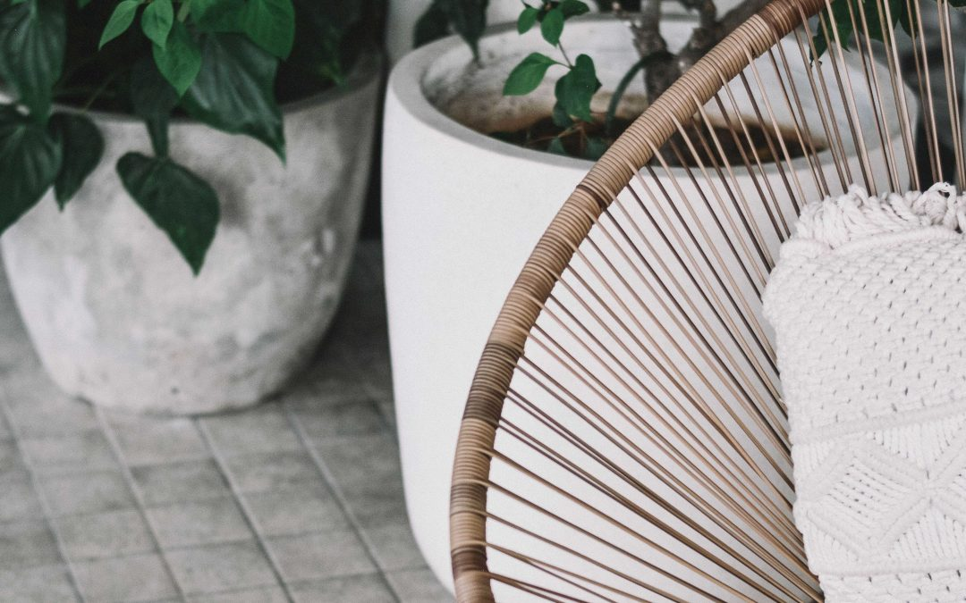 Rottingfåtölj – inomhus och utomhus